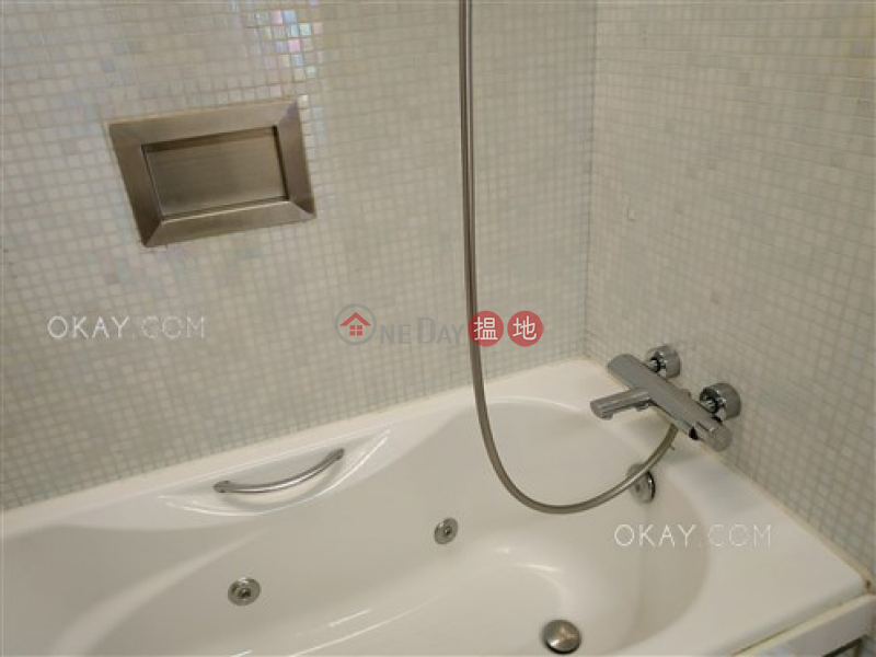 HK$ 10.8M, Centrestage, Central District, Lovely 1 bedroom on high floor with balcony   For Sale