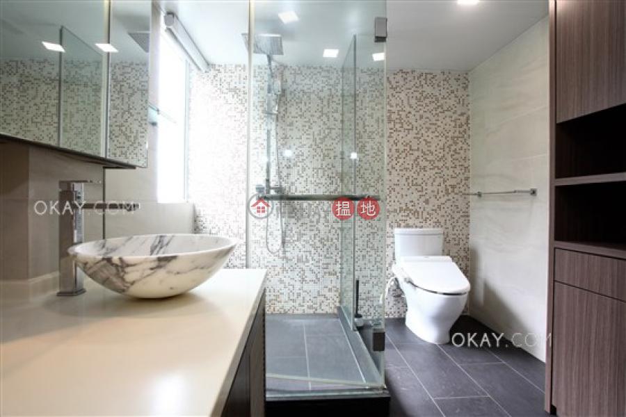 Elegant house with rooftop, balcony | For Sale | Pak Shek Terrace 白石臺 Sales Listings