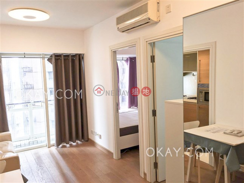Lovely 2 bedroom on high floor with balcony | For Sale | Centrestage 聚賢居 Sales Listings