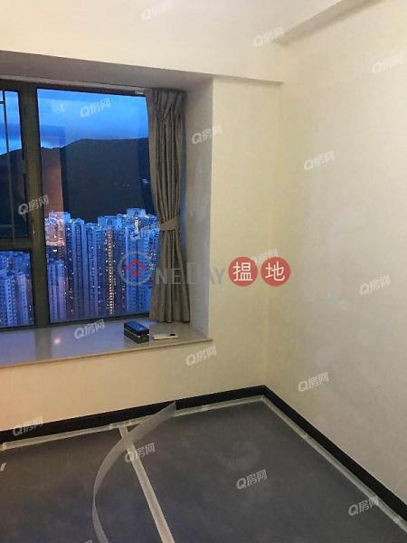 罕有東南山海實用三房套《藍灣半島 5座買賣盤》|28小西灣道 | 柴灣區|香港-出售HK$ 1,260萬