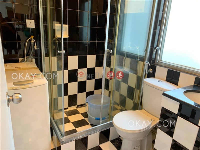 Charming penthouse with sea views, rooftop & terrace | For Sale 64-68 Pok Fu Lam Road | Western District Hong Kong Sales | HK$ 16M