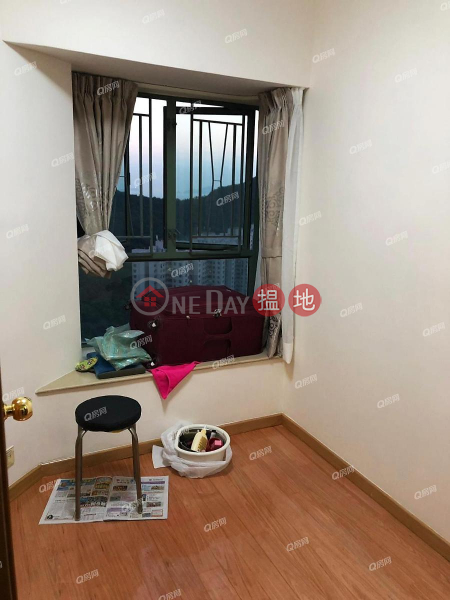 HK$ 25,000/ month, Tower 5 Island Resort Chai Wan District, Tower 5 Island Resort | 3 bedroom Mid Floor Flat for Rent