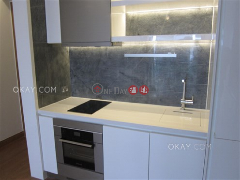 HK$ 36,000/ month | Resiglow, Wan Chai District Gorgeous 2 bedroom with balcony | Rental