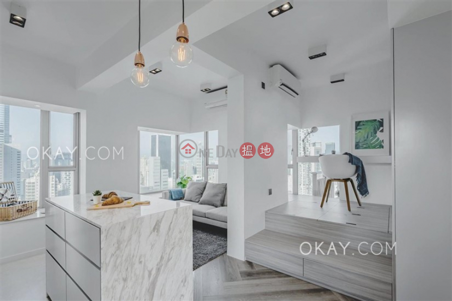 HK$ 15.8M | The Zenith Phase 1, Block 1, Wan Chai District | Nicely kept 3 bedroom on high floor with balcony | For Sale