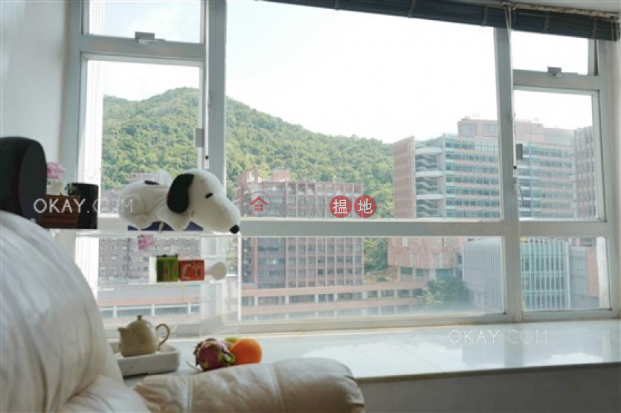 Generous 2 bedroom on high floor with rooftop | For Sale 61-69 Hill Road | Western District, Hong Kong Sales HK$ 9.19M