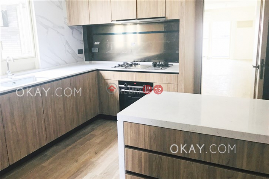 HK$ 98,000/ month, St. Joan Court | Central District | Exquisite 3 bedroom with balcony & parking | Rental