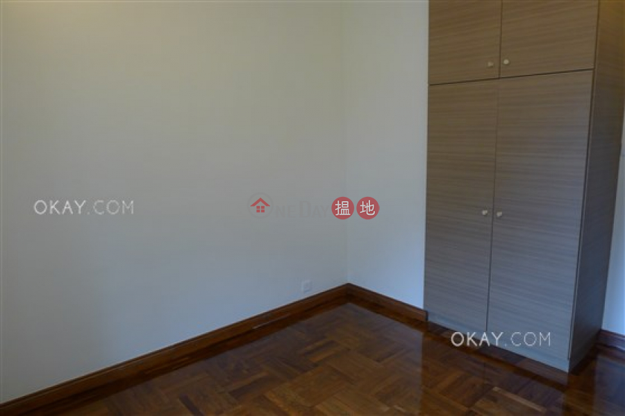 Lovely 2 bedroom on high floor with parking | For Sale | Hillsborough Court 曉峰閣 Sales Listings
