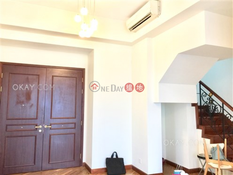 Gorgeous 3 bedroom on high floor with rooftop & balcony | For Sale 1 Hoi Wang Road | Yau Tsim Mong, Hong Kong | Sales HK$ 45M