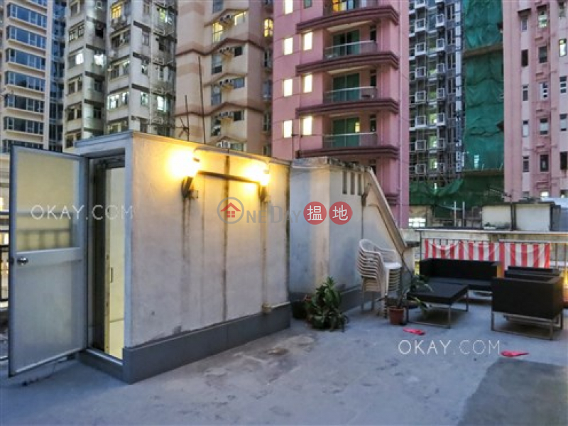 Popular 2 bedroom on high floor with rooftop | For Sale | 14 Tai Yuen Street | Wan Chai District | Hong Kong, Sales HK$ 9.28M