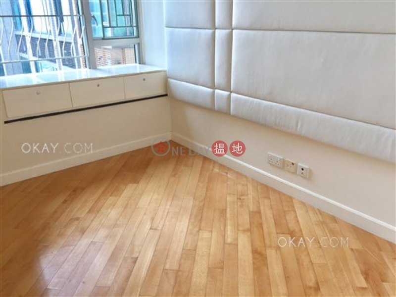 Gorgeous 3 bedroom in Kowloon Station | For Sale | Sorrento Phase 2 Block 2 擎天半島2期2座 Sales Listings