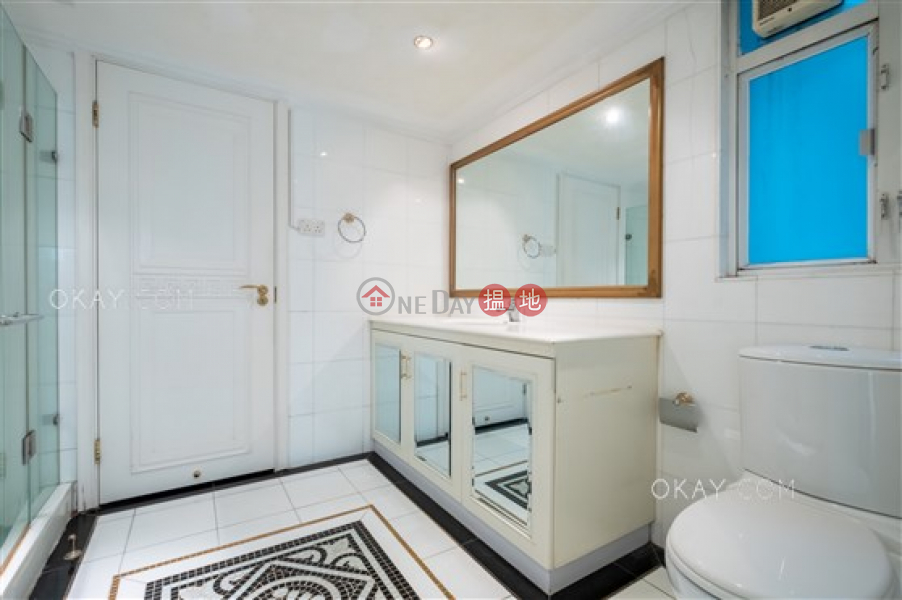 HK$ 90,000/ month | Phase 2 Villa Cecil Western District, Rare 4 bedroom with parking | Rental