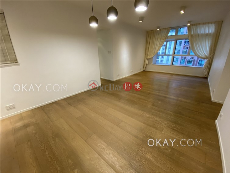 HK$ 39,000/ month Blessings Garden, Western District, Elegant 3 bedroom in Mid-levels West | Rental