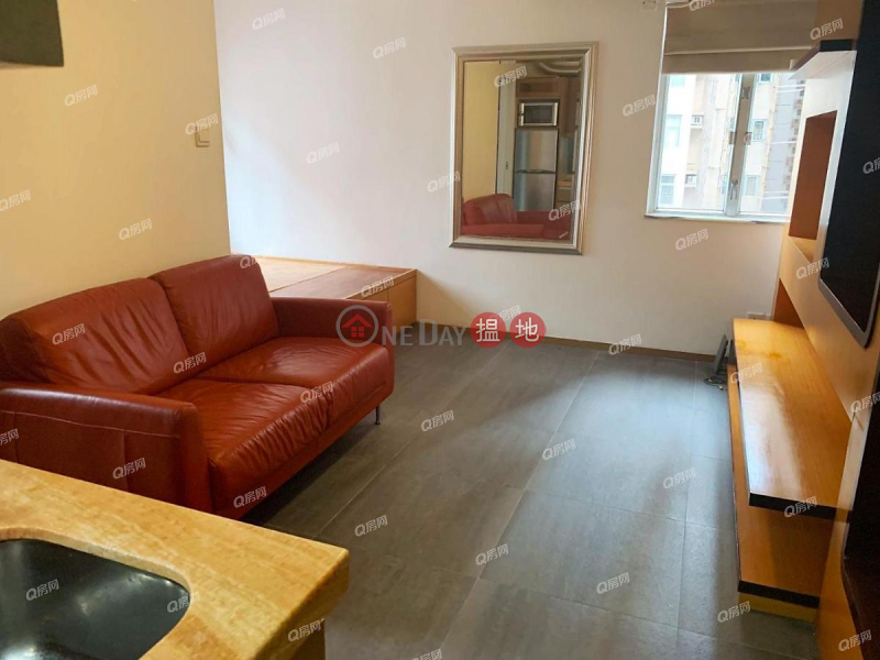 HK$ 15,000/ month Ryan Mansion, Western District, Ryan Mansion   High Floor Flat for Rent