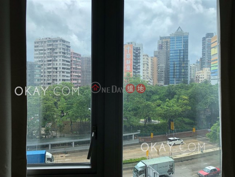HK$ 32,000/ month, The Austin, Yau Tsim Mong Tasteful 2 bedroom with balcony | Rental