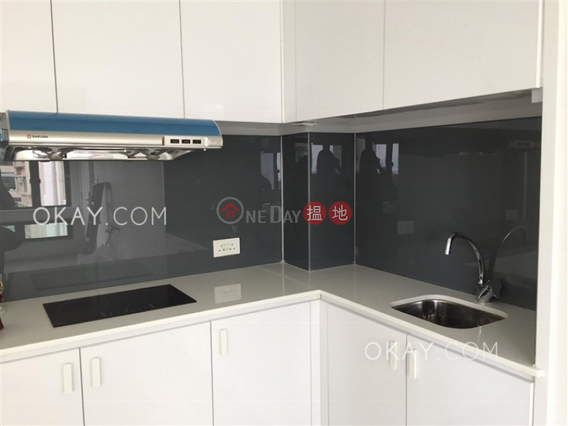 Property Search Hong Kong | OneDay | Residential, Rental Listings | Tasteful with rooftop in Mid-levels West | Rental