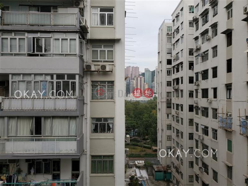HK$ 45,000/ 月加甯大廈-灣仔區3房2廁,實用率高,極高層,露台《加甯大廈出租單位》