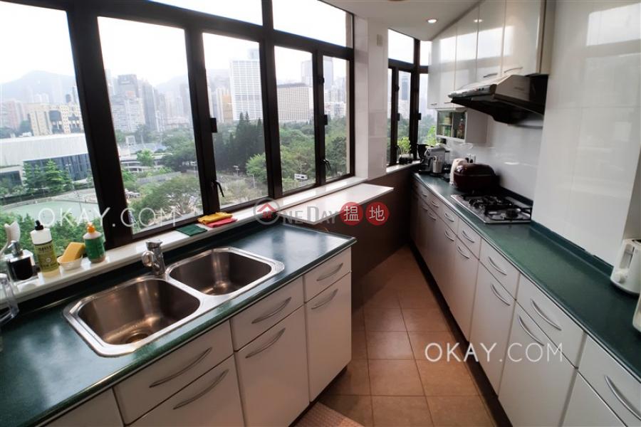 Tasteful 2 bedroom in Causeway Bay   Rental   Gordon House 歌頓大廈 Rental Listings