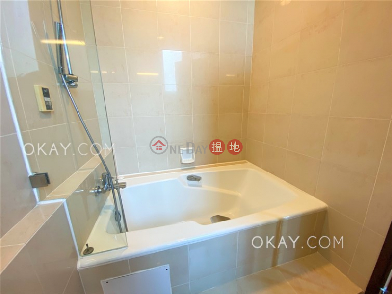 Unique 3 bedroom with terrace & balcony | Rental | The Morning Glory Block 3 艷霞花園3座 Rental Listings