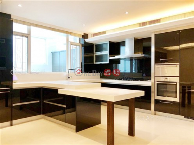 HK$ 50M | House 1 Capital Villa, Sai Kung | Lovely house with balcony & parking | For Sale