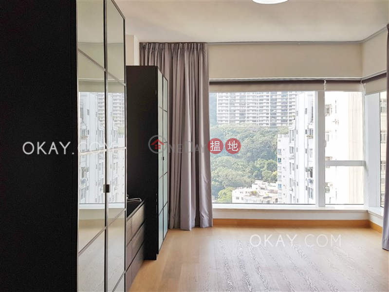 Beautiful 3 bedroom with balcony & parking   For Sale   The Altitude 紀雲峰 Sales Listings