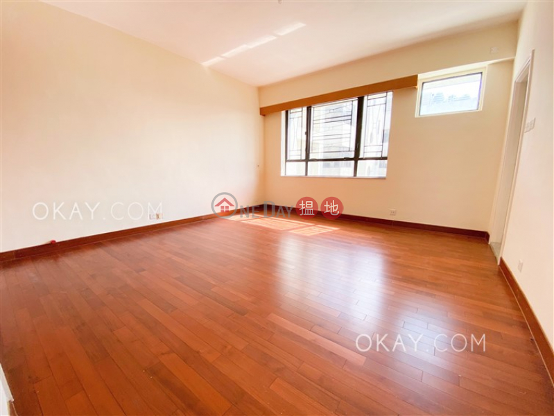 Lovely 3 bedroom on high floor with balcony & parking   Rental   The Crescent Block B 仁禮花園 B座 Rental Listings