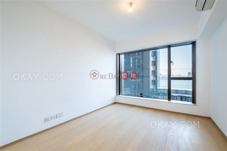 Luxurious 3 bedroom with balcony | Rental | Harbour Glory Tower 3 維港頌3座 Rental Listings