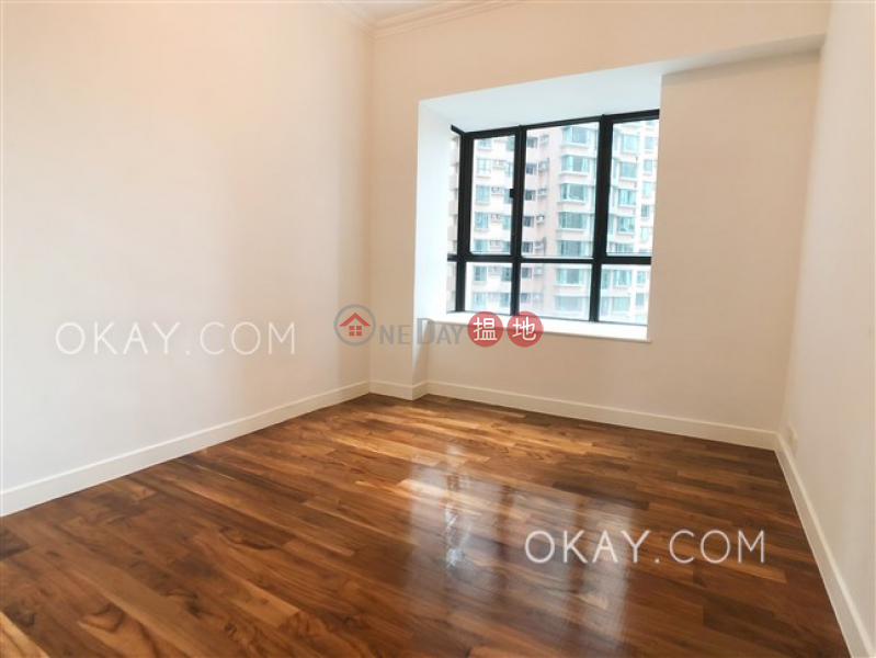 HK$ 87,000/ month, Dynasty Court   Central District, Gorgeous 3 bedroom with parking   Rental