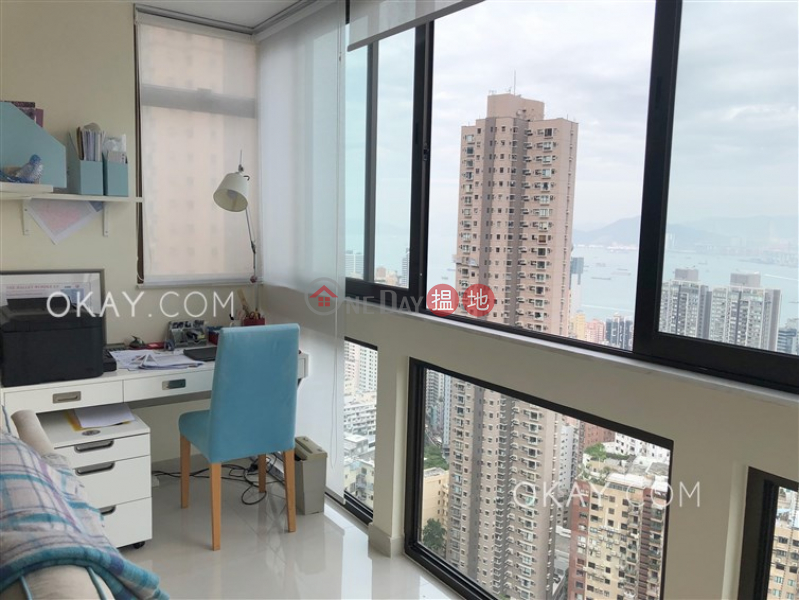 Property Search Hong Kong | OneDay | Residential | Rental Listings, Exquisite 3 bedroom on high floor with parking | Rental