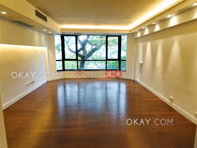 HK$ 90,000/ month Sunderland Court, Kowloon Tong   Exquisite house with rooftop & parking   Rental