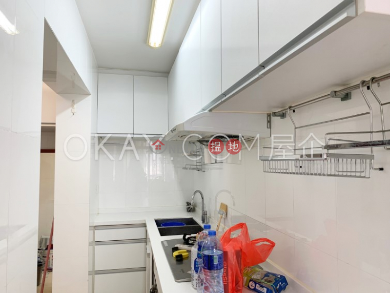 HK$ 45,000/ 月鳳凰閣 4座 灣仔區 3房2廁,實用率高,極高層,連車位鳳凰閣 4座出租單位
