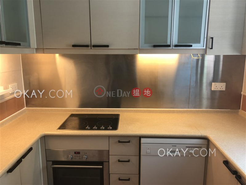 HK$ 33,000/ month Discovery Bay, Phase 13 Chianti, The Barion (Block2) Lantau Island   Charming 3 bedroom with balcony   Rental