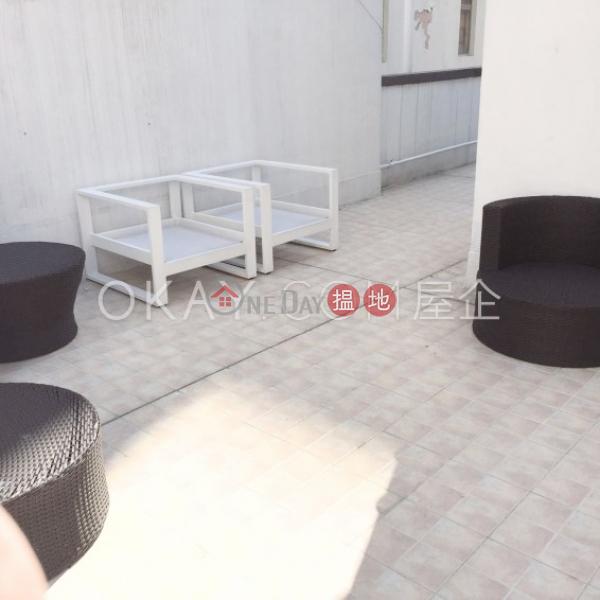 Lovely 2 bedroom on high floor with rooftop   Rental   10-12 Shan Kwong Road 山光道10-12號 Rental Listings