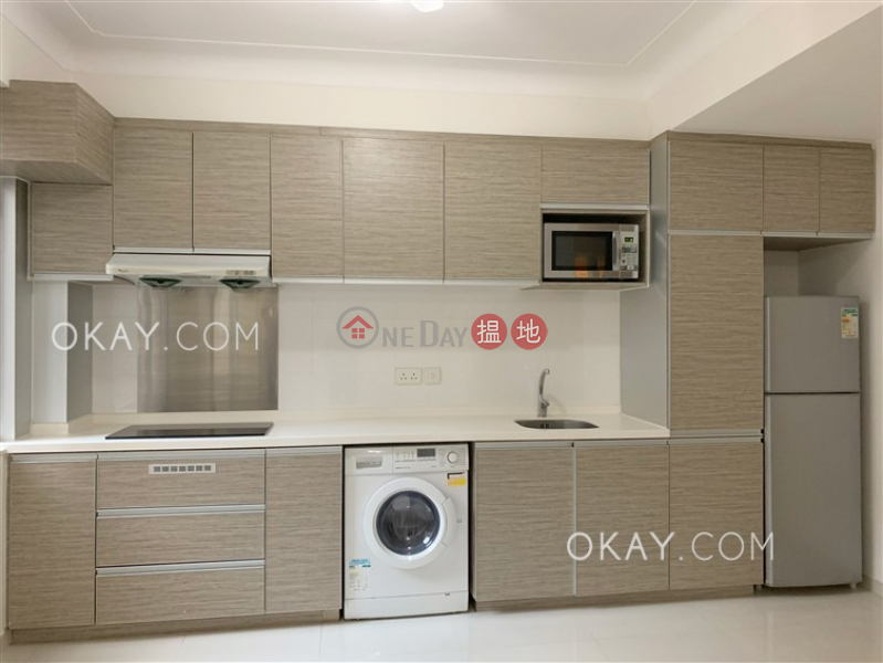 Property Search Hong Kong | OneDay | Residential Sales Listings | Elegant 2 bedroom in Mid-levels West | For Sale