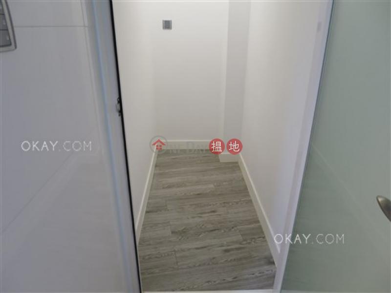 Intimate 2 bedroom in Mid-levels West | Rental | Fook Wah Mansions 福華大廈 Rental Listings