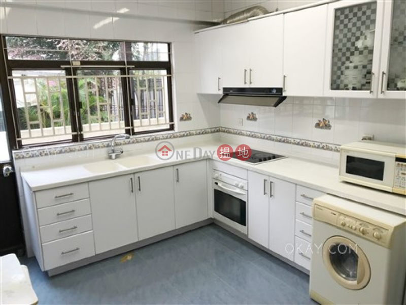 Beautiful house with rooftop, terrace & balcony | For Sale | House A Billows Villa 浪濤苑A座 Sales Listings