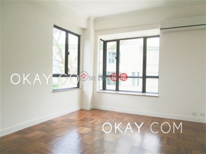 HK$ 66,000/ month | Elite Villas, Southern District, Stylish 3 bedroom on high floor with balcony & parking | Rental