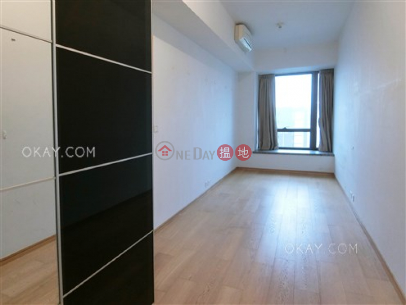 HK$ 20M | The Gloucester, Wan Chai District, Nicely kept 1 bedroom with balcony | For Sale