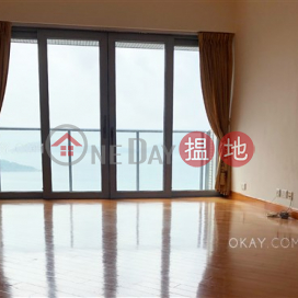 Luxurious 3 bedroom with sea views & balcony | For Sale
