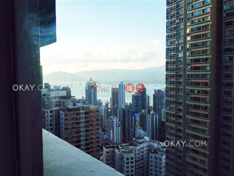 Popular 1 bedroom in Mid-levels West | For Sale | Robinson Crest 賓士花園 Sales Listings