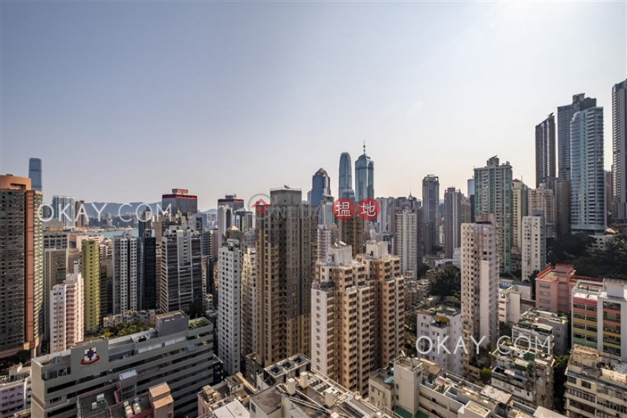 Centre Place | Middle, Residential, Sales Listings HK$ 14.5M