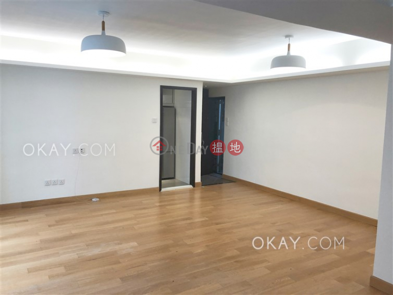 HK$ 40,000/ month Garfield Mansion | Western District Gorgeous 2 bedroom with balcony | Rental