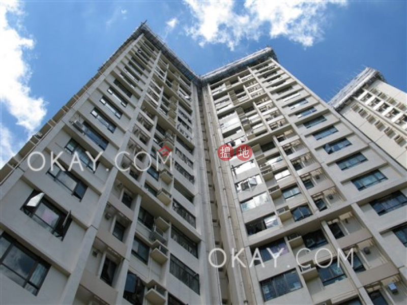 Unique 3 bedroom on high floor with sea views & balcony | Rental | Discovery Bay, Phase 3 Parkvale Village, Woodgreen Court 愉景灣 3期 寶峰 寶翠閣 Rental Listings