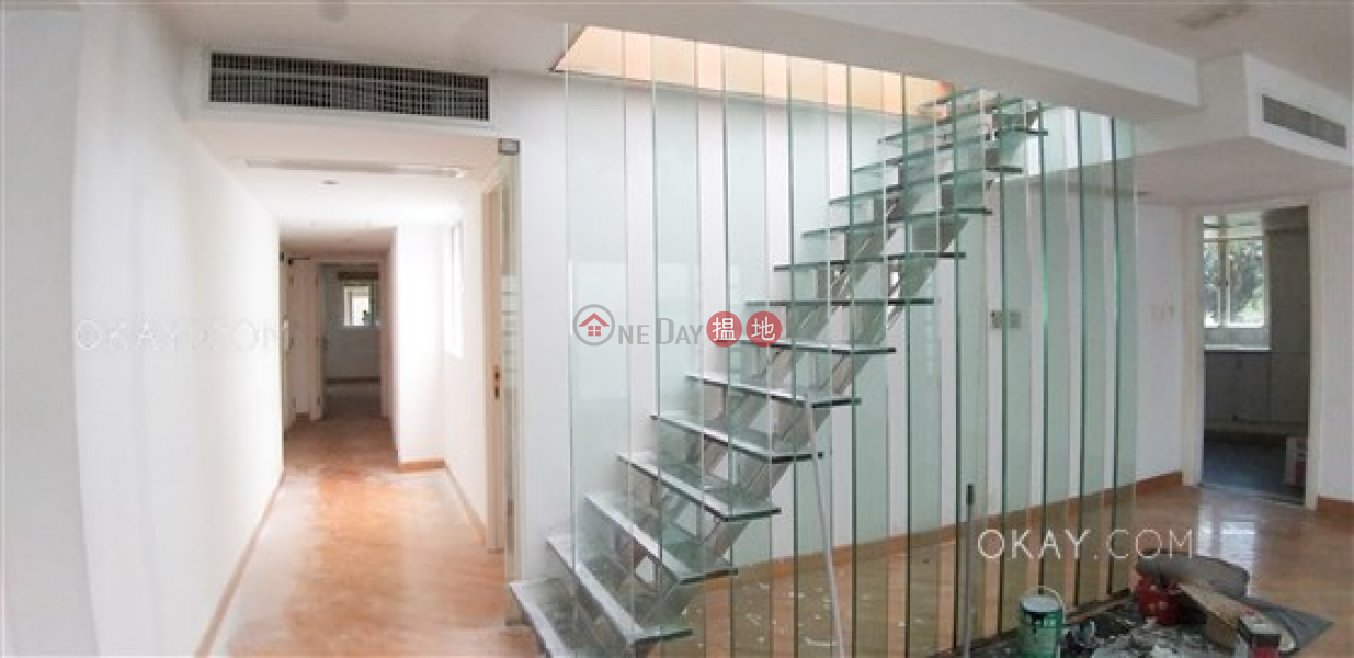 HK$ 100,000/ month | Phase 2 Villa Cecil, Western District, Beautiful 3 bed on high floor with rooftop & parking | Rental