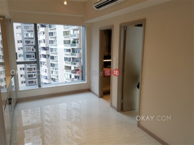 HK$ 26,000/ month, King\'s Hill | Western District | Generous 1 bedroom on high floor with balcony | Rental