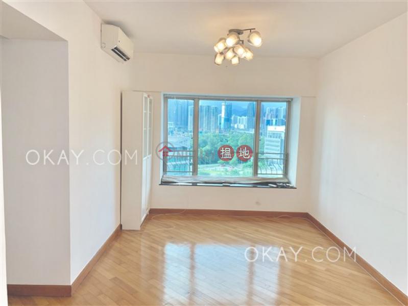 HK$ 41,000/ month | Sorrento Phase 1 Block 5, Yau Tsim Mong, Lovely 3 bedroom with terrace | Rental
