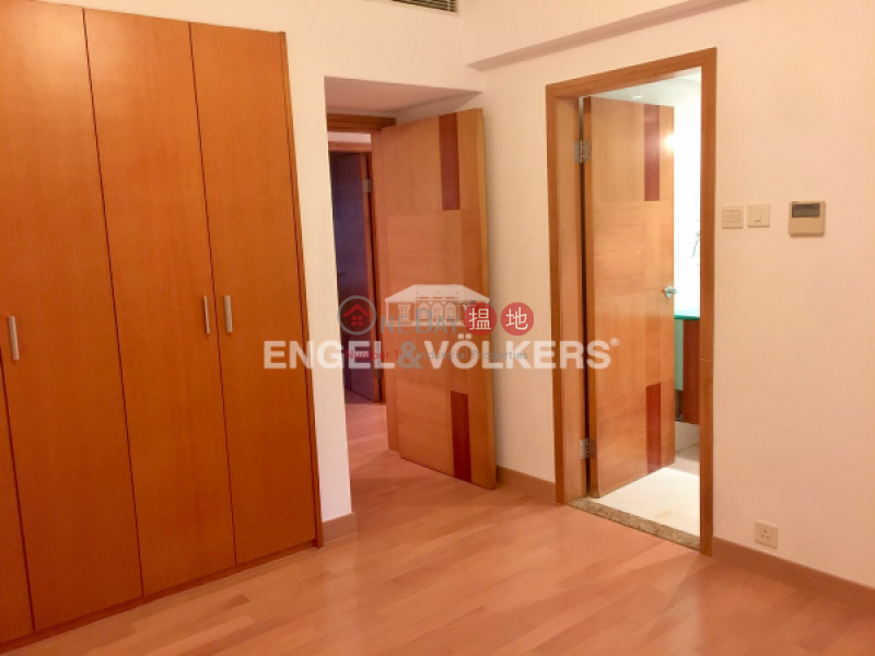 4 Bedroom Luxury Flat for Sale in Central Mid Levels | Garden Terrace 花園台 Sales Listings