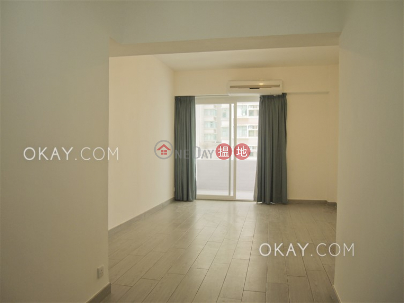 Unique 3 bedroom with balcony & parking | Rental | Robinson Mansion 羅便臣大廈 Rental Listings