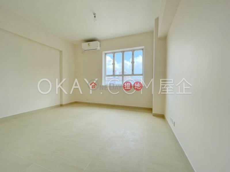 HK$ 38,000/ month, Moon Fair Mansion, Wan Chai District, Stylish 2 bedroom with balcony & parking | Rental