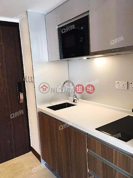 HK$ 11,000/ month, AVA 62, Yau Tsim Mong, AVA 62 | Low Floor Flat for Rent