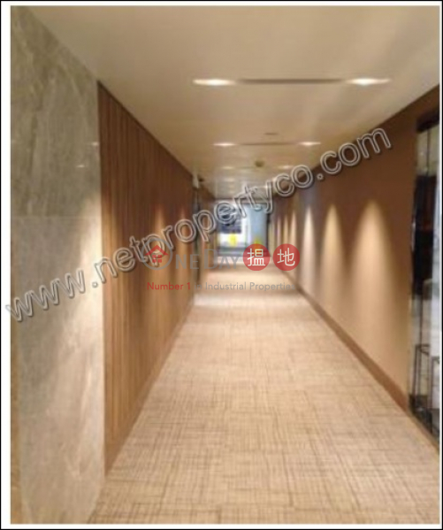 HK$ 31,600/ month | New World Tower | Central District | Grade A + office for Lease